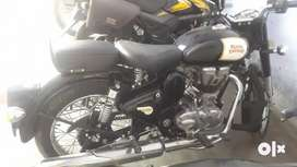 Royal Enfield classic 350 black singal handed