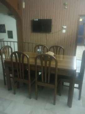 Pure teak 6 seater dinning table