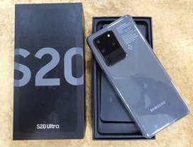 Samsung S20ULTRA 12gb 128gb cosmic grey on brand new sealed condition