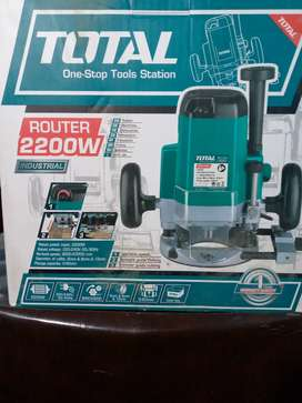 Total Tool TR11122 electric router 2200W Green