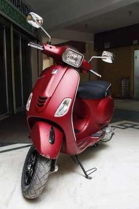 vespa 150 SXL maroon colour