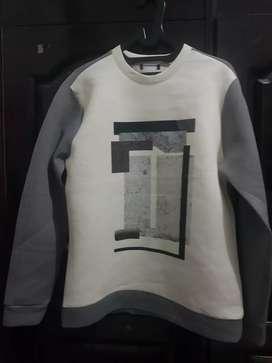 Sweater ukuran M