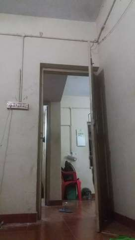 Sharing Room With Adult Mens 18-25 Age