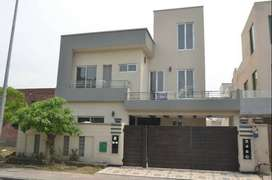 10  Marla House  with For Rent In Bahria Town Lahore.