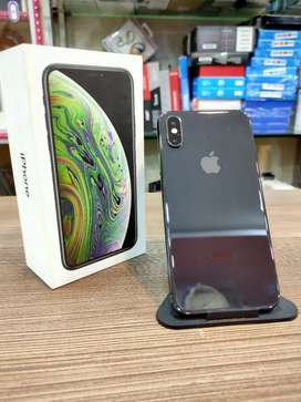 iPhone Xs Max in perfect scratchless condition With full kit