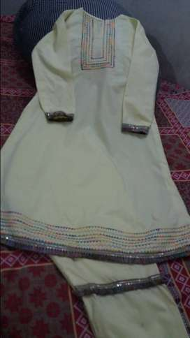 Embroidered shirt for girls