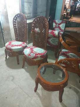 Bed room chairs with tebal lakri