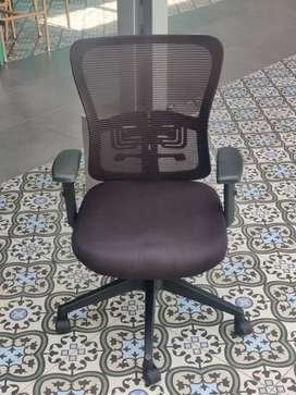 Premium Office Desk and Chairs