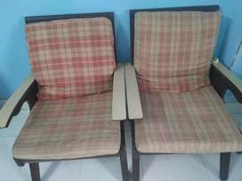 I am selling a pair of sofa