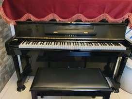Piano Yamaha U1H seri 2580560