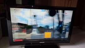 """lcd TV SAMSUNG 32""""C530,seri paling bandel anti rusak,blom pernah servs"""