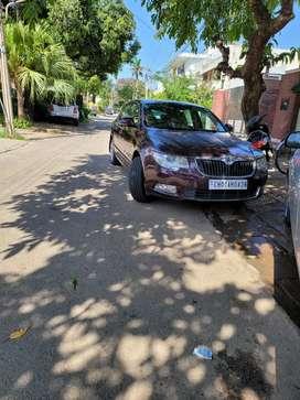 Skoda Superb 2011 Diesel 115000 Km Driven