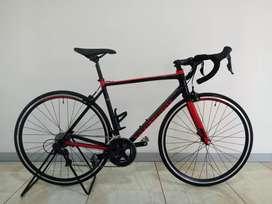 Sepeda road bike roadbike Polygon strattos s3
