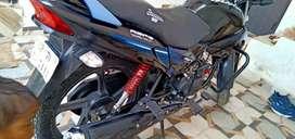 Bahut hi mast condition me bike hai koi bhi kami nahi nahi hai