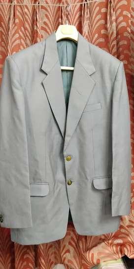 Raymond Hallmark 2 Piece Suit Size 42
