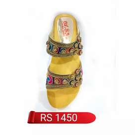 New multi embroidery PU sole shoes