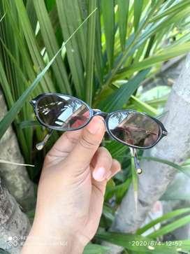 Kacamata vintage merk giordano