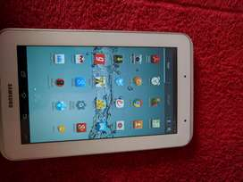 Samsung Tab 2- GT-P3110 tablet with no scratches and stock charger