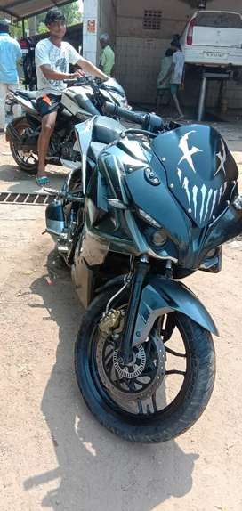 Pulsar Rs 200 dual abs system. Good condition .only show room service