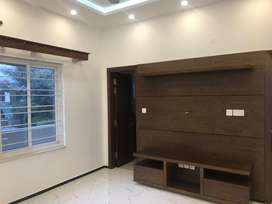 F10/4 Prime Location Upper Portion 1-Kanal 3Bed Reasonable Rent