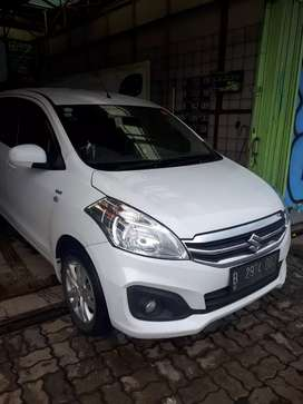 Suzuki Ertiga GL M/t 2017 putih murmer
