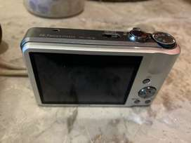 SONY Cubershot  in excellent condition
