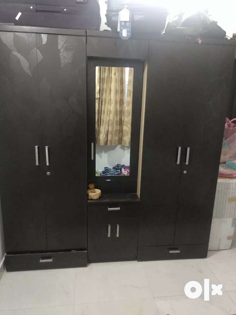 2 Wardrobe set with  table 0