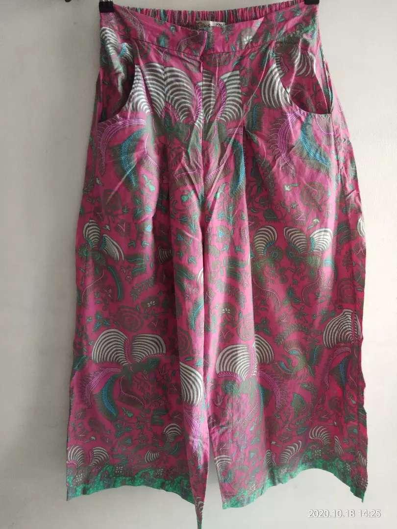 rok celana motif batik 0