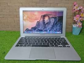 APPLE MacBook Air (11-inch, Mid 2011) Core i5 SSD 128GB