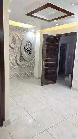 2bhk 600sqrft biggest size in uttam nagar west