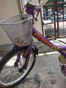 Sepeda anak perempuan United 16 inci kondisi baik