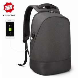 TIGERNU Tas Ransel Backpack dengan USB Port - T-B3595 - Black