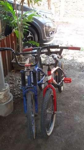 Sepeda BMX  bekas layak pakai