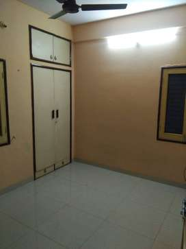 3 Bedroom Flat Palasia Sqr. @17k