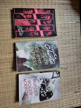 Agath Christie - A book set of her 3 most popular novels