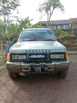 Dijual mobil Isuzu panther 96