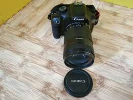 CAMERA DSRL CANON EOS 550D LENZ 18-135MM.Fungsi oke tingal pake foto2.