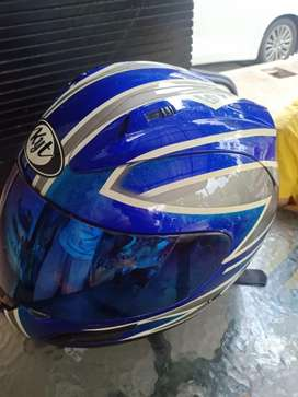 Helm ORI KYT merk bermutu. Kualitas dijamin. Mulus. Limited colour.