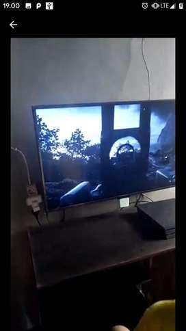 """Paket TV LG 43"""" UHD + PS4 Pro 1TB"""