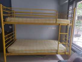 Bunk bed, full size