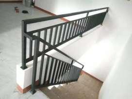 Pagar reling dan balkon