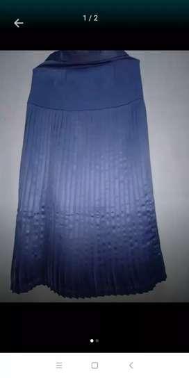 Rok lipat warna biru