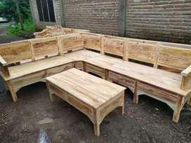 Sofa sudut kayu mahoni