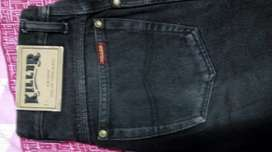 Killer jeans size 28