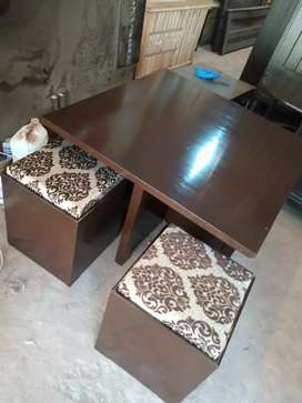 4 stool seating table