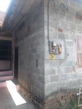 A small old house for rent in iranimuttom attukal