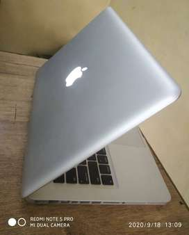 MacBook Pro Intel Core i5/4GB RAM/500GB HDD/13.3 Inches Laptop