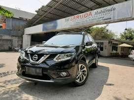 Nissan X Trail 2.5 XT  Tahun 2015  Type XT hitam
