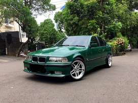 BMW E36 323i A/T - British Racing Green on Green interior