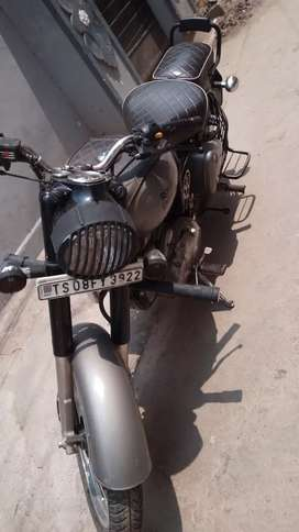 Royal enfield bullet classic 350 good condition less used